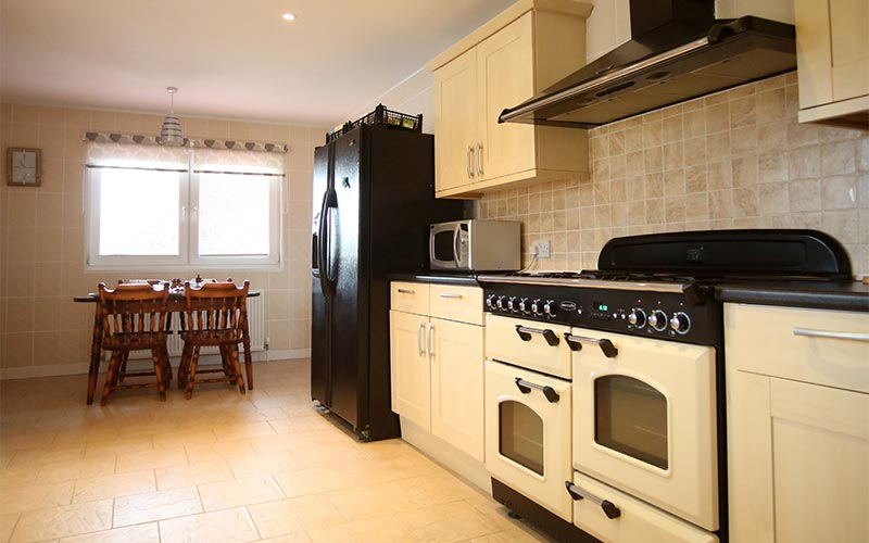 Beautiful guest kitchen area