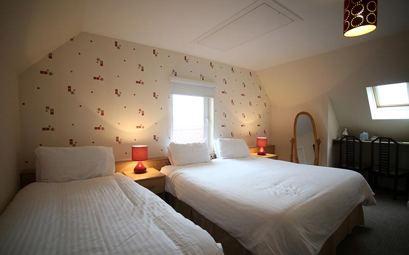 Single and double beds - Edenmore Guest House and B & B Ardrossan